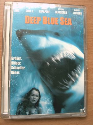 DER HAIE ,DEEP BLUE SEA